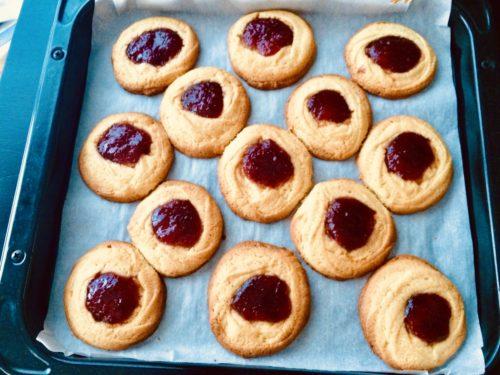 天板のジャムバタークッキー